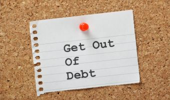 Want to get your finances on track and your spending under control in the New Year? Here is the best advice for living debt free. #finance #personalfinance #debtfree #creditrepair #moneytips #money #moneyadvice #financeadvice #financetips #newyearsresolution