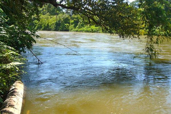 Sungai Krueng Sabee yang dilaporkan mulai tercemar merkuri. Foto: Chik Rini