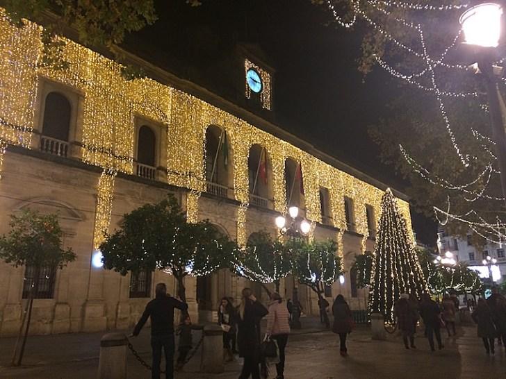 セビリア市役所のクリスマスイルミネーション