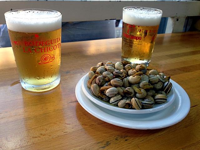 スペインのセビリアのカラコレスとビール