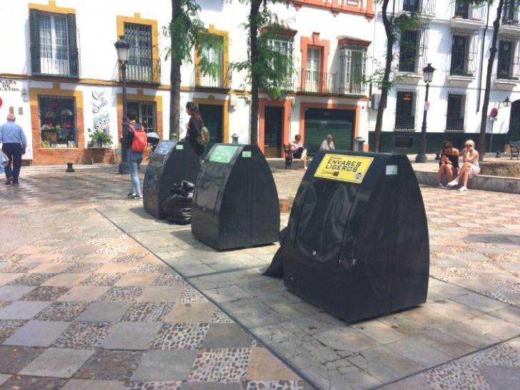 スペインのゴミコンテナー