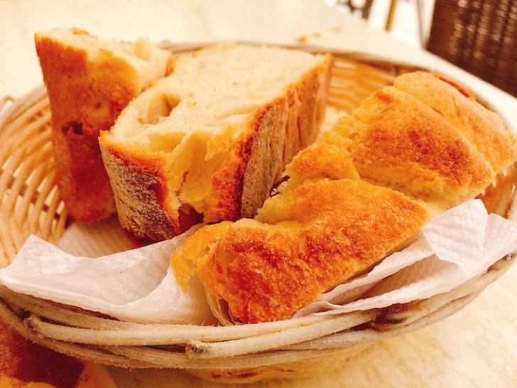 ヘレス『メソン・デル・アサドール』のパン