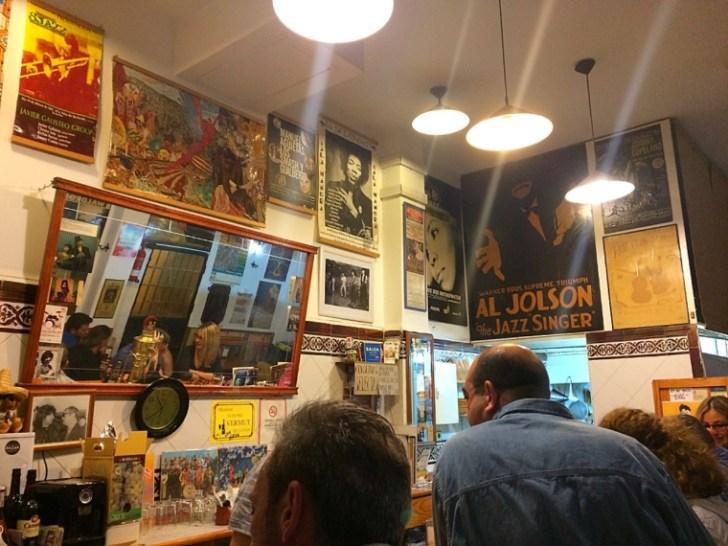 セビリアのバルアホブランコの店内