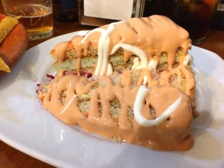 セビリアのバルアホブランコのロックフォールチーズケーキ