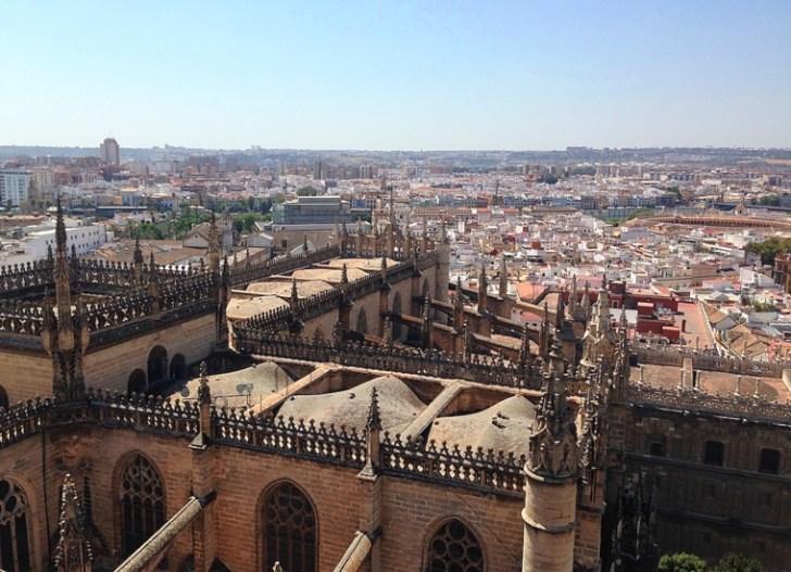 セビリア大聖堂の屋根のツアー