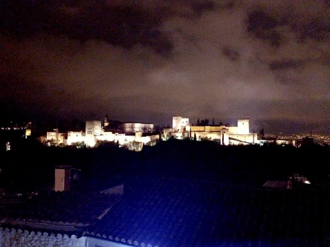 グラナダのサンニコラス展望台から見たアルハンブラ宮殿