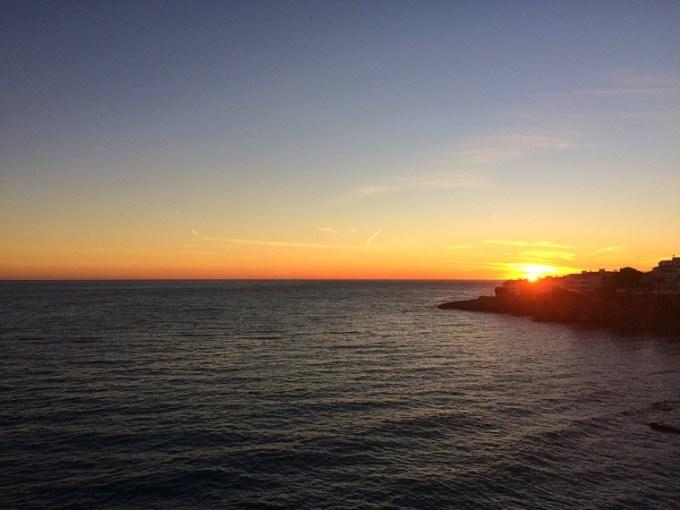 ネルハのヨーロッパのバルコニーからの夕日