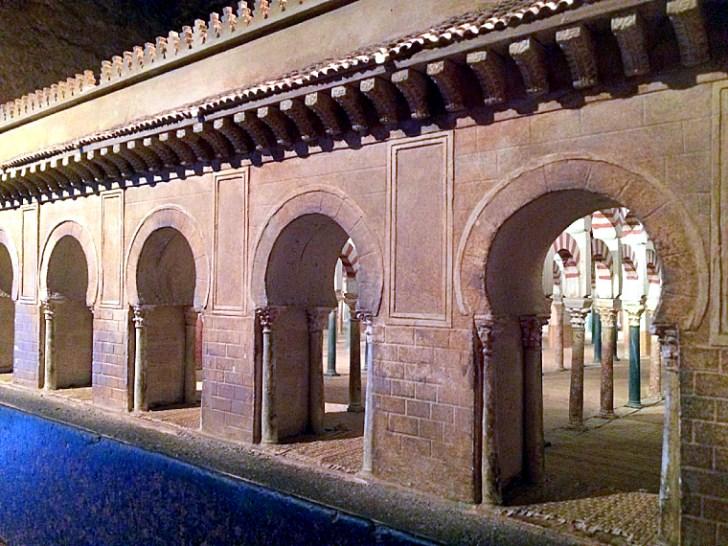 コルドバのカラオラの塔の博物館のメスキータの模型