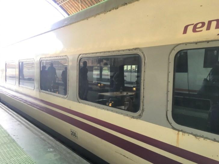 スペインの列車タルゴの外観