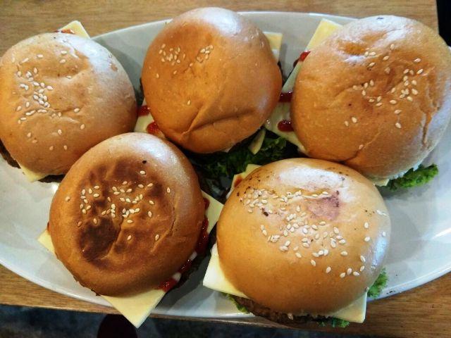Burger Maxx Corner