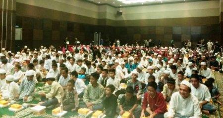 K-Link Berbagi Spirit Ramadhan Bersama 500 Anak Yatim