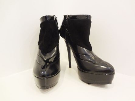 Gucci Black Ankle Boots (size 10) - $249