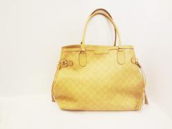 Large Gucci Beige Monogrammed Bag - $900