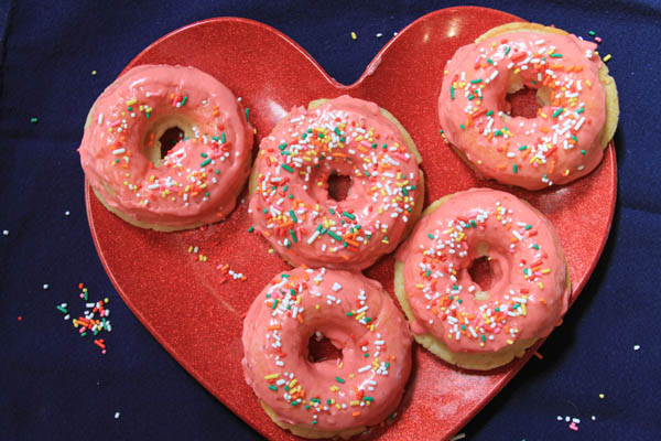 Valentine treats: Strawberry donuts at thegrommom.com
