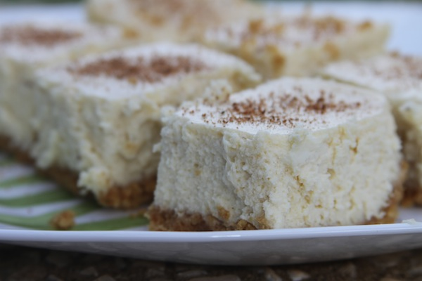 www.thegrommom.com Eggnog Cheesecake bars, gluten-free or regular
