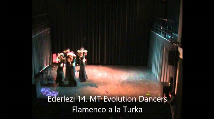 MT Evolution Dancers en Ederlezi Turquía