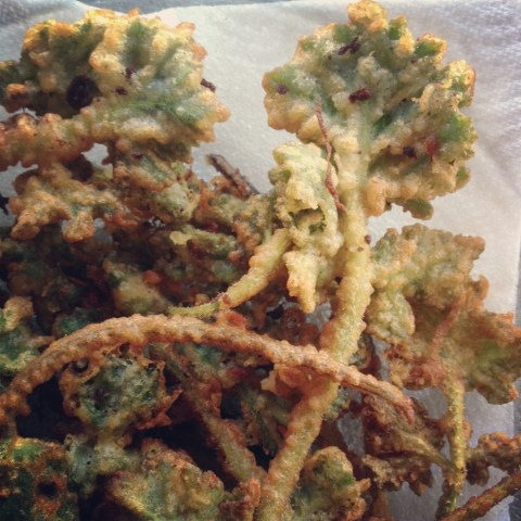 Common hogweed shoot tempura