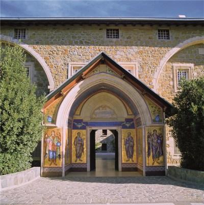 Κεντρική Είσοδος Μονής