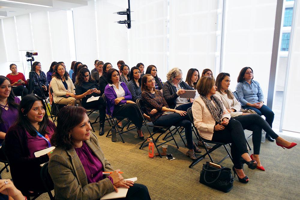 Conferencia Comunicando Sin Hablar para Grupo Bayer