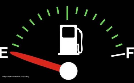 Los venezolanos vuelven a quedar con el taque de gasolina vac