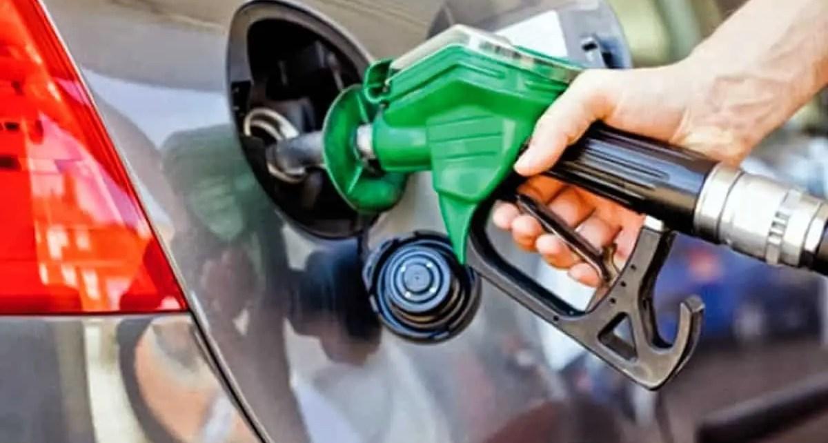 Tiempo y dinero: Precio real de la gasolina iraní recibida por Venezuela