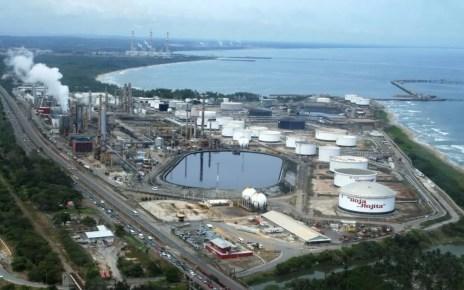 Trabajadores habrían confirmado el derrame de petróleo en las costas occidentales proveniente de El Palito