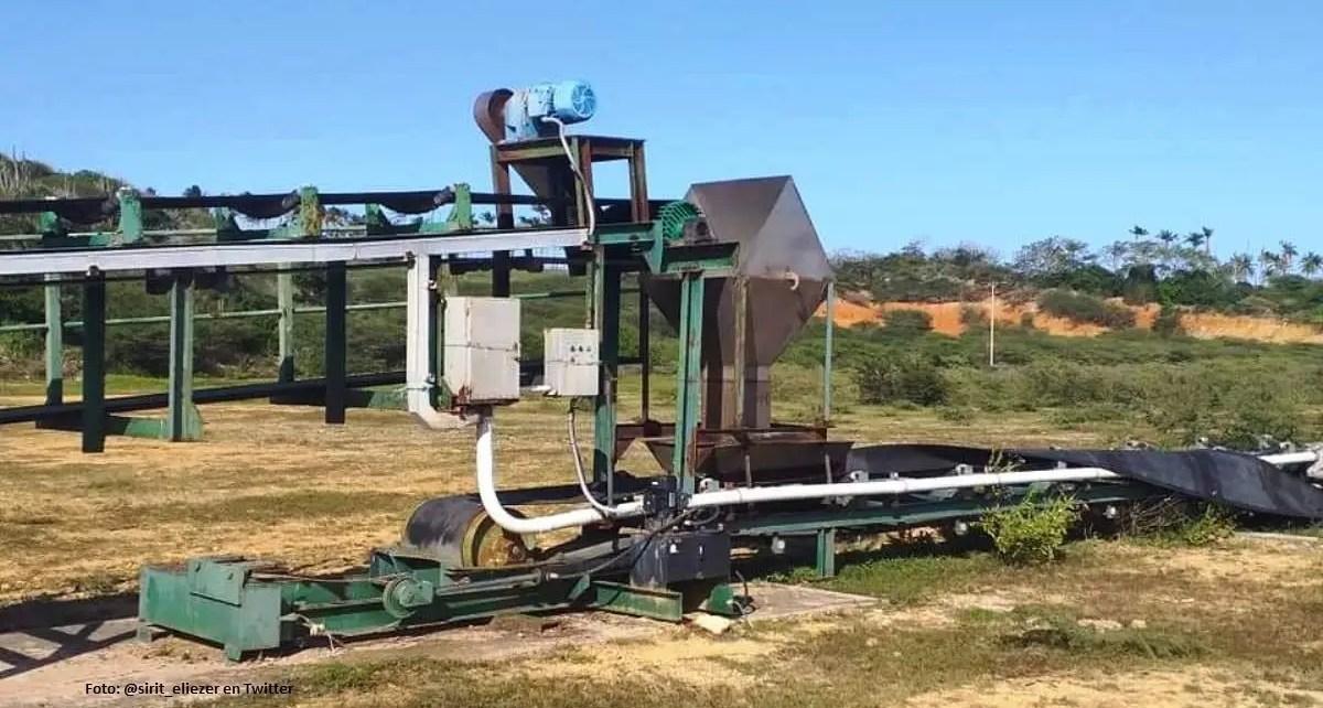 Así se encuentra la maquinaria abandonada en Sauca desde hace 10 años