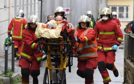 Al menos dos personas resultaron heridas en un ataque con cuchillo en los alrededores de 'Charlie Hebdo' en París