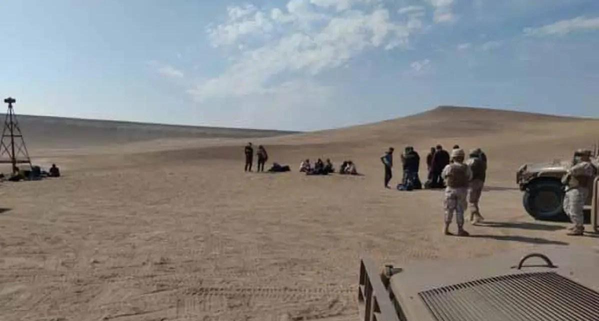 Los carabineros hallaron a un grupo de 18 venezolanos quienes se encontraban varados en un desierto en la región de Arica y Parinacota
