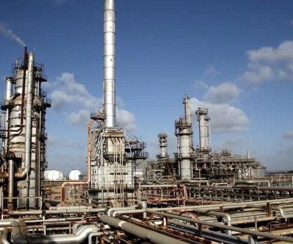 Los 140 mil barriles que procesan no son todos para gasolina