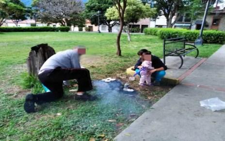 Vecinos en Valencia preparan comida en áreas verdes, cuando la cocina eléctrica no es opción ante largos apagones