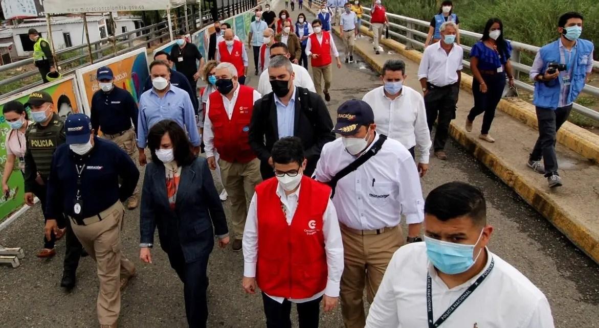 Canciller española visita paso fronterizo en Cúcuta