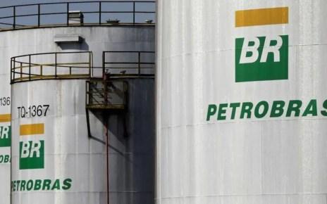 Política de precios enfrenta a Bolsonaro contra directivo de Petrobras