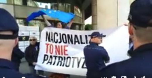 1 maja - kontrmanifestanci Video-KOD