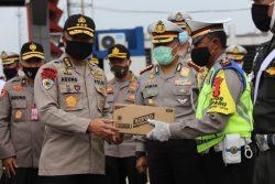 Terima Arahan Irwasum Polri di Tol Kalikangkung,  Polda Jateng Komitmen Terus Terapkan Prosedur Covid