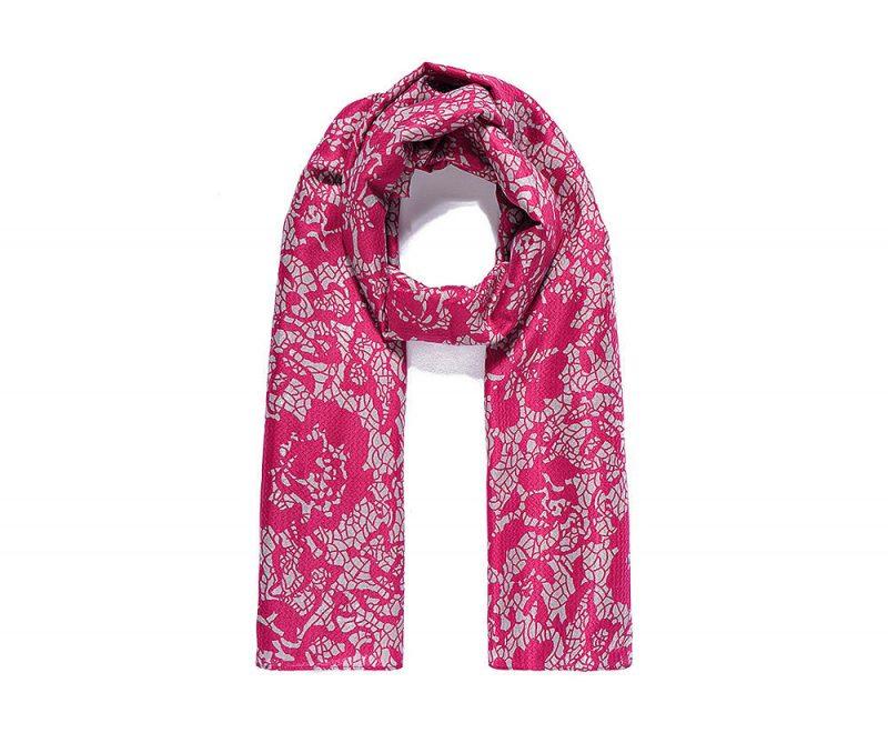 foulard magenta et gris imprime dentelle