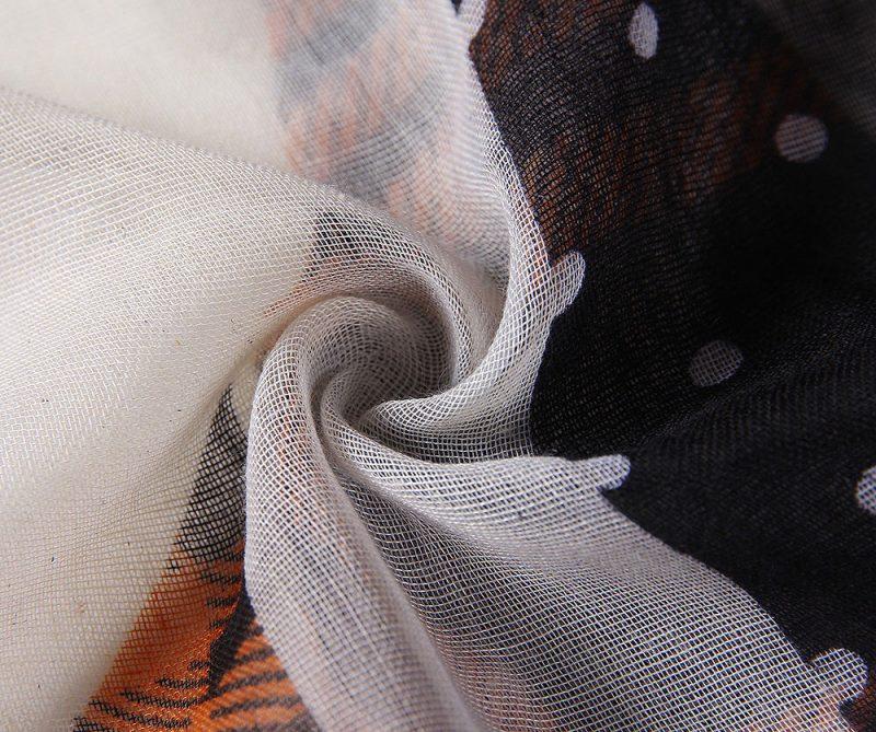 foulard_a_pois_et_formes_geometriques