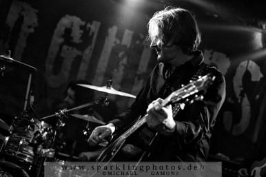 2010-11-26_Dead_Guitars_-_Bild_013x.jpg