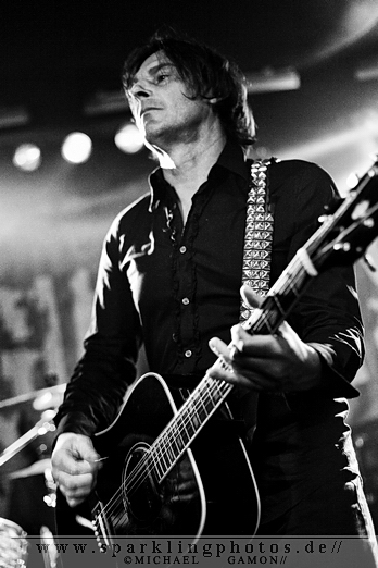 2010-11-26_Dead_Guitars_-_Bild_019x.jpg
