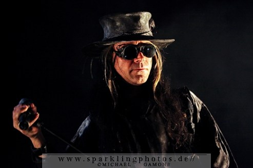 2010-12-27_Fields_Of_The_Nephilim_-_Bild_001x.jpg