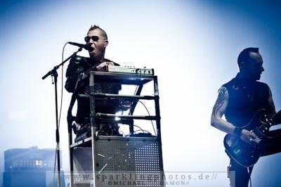 2011-10-30_Sinners_Day_-_KMFDM_-_Bild_011x.jpg