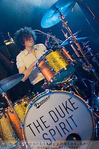 2011-11-29_The_Duke_Spirit_-_Bild_003.jpg