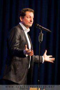 2011-12-13_Dr_Eckart_Von_Hirschhausen_-_Bild_003x.jpg