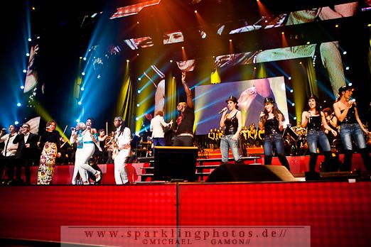 2011-12-17_NOTP_-_Alle_Artisten_-_Bild_009x.jpg