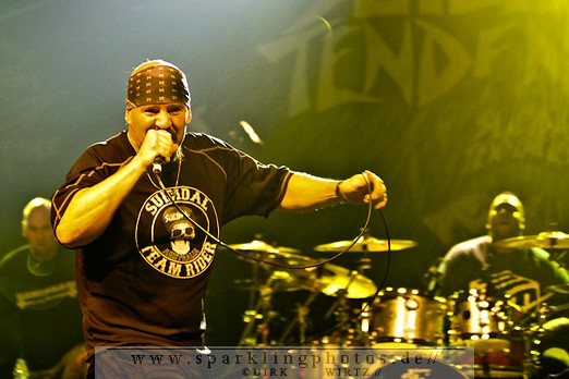 2012-01-21_Suicidal_Tendencies_-_Bild_010.jpg
