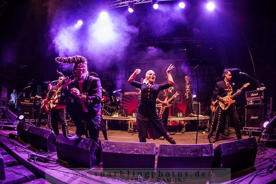 2013-07-12_Leningrad_Cowboys_-_Bild_007x.jpg