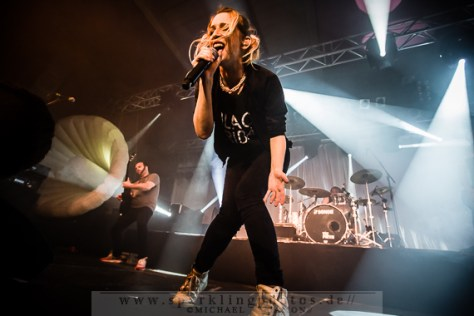 2014-10-27_Guano_Apes_-_Bild_007x.jpg