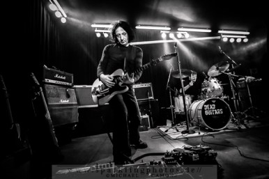 2014-12-20_Dead_Guitars_-_Bild_005x.jpg