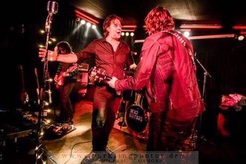 2014-12-20_Dead_Guitars_-_Bild_028x.jpg