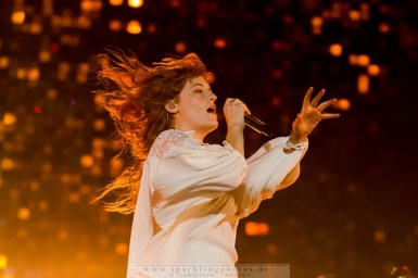 2015-06-21_Florence_And_The_Machine_-_Bild_001.jpg